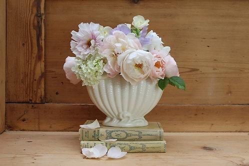 Small Sylvac Shell Mantle Vase (Falcon ware)