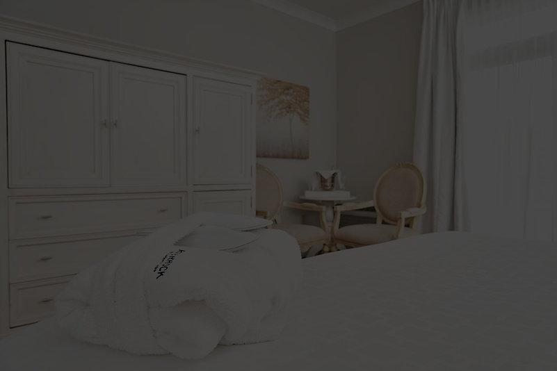 Room%20LUX%204_edited.jpg