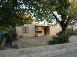 Scott Goff We buy UNM houses Albuquerque