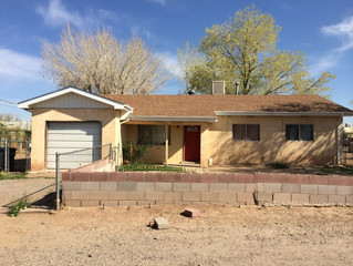 I buy houses in the South Valley