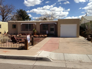 I buy houses in SE Heights Albuquerque