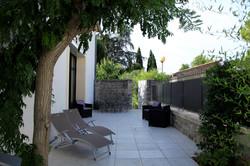 Terrasse sud ouest du Clos du Théron, chambre d'hôtes à Cournonterral, HéraultThéron, chambre d'hôte