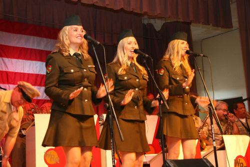 Wartime Radio Revue