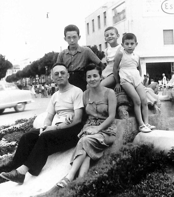 1953 in vacanza con la famiglia.jpg