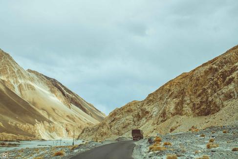 Sand dunes in Hunder, Nubra Valley, Ladakh .jpg