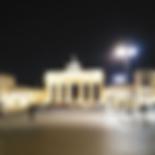 Brandenburger Tor bei Nacht, Unter den Linden