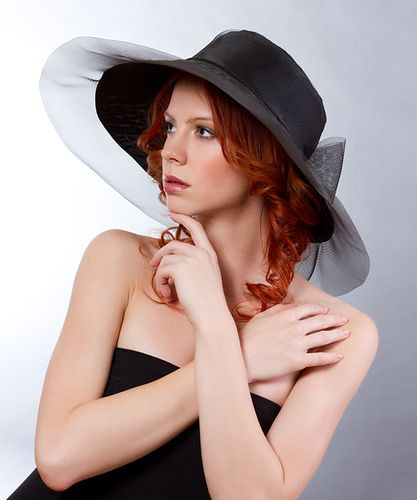 1. Nagy karimás taft alkalmi kalap