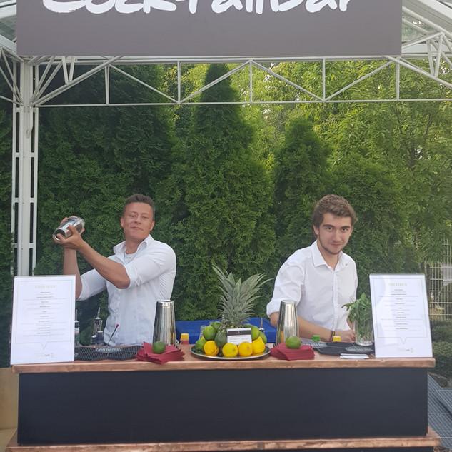 cocktailservice.jpg