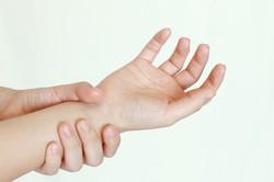 腕のシビレ