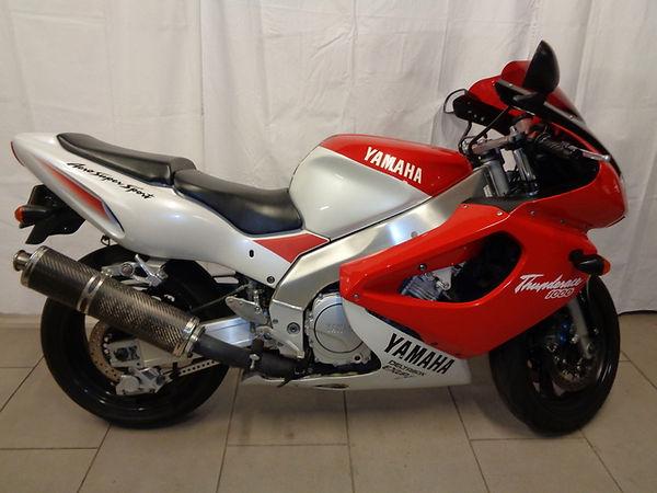 yamaha-yzf-1000-r-1398221.jpg