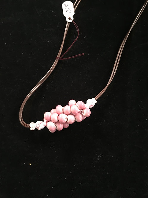16C  PINK BEADS NECKLACE