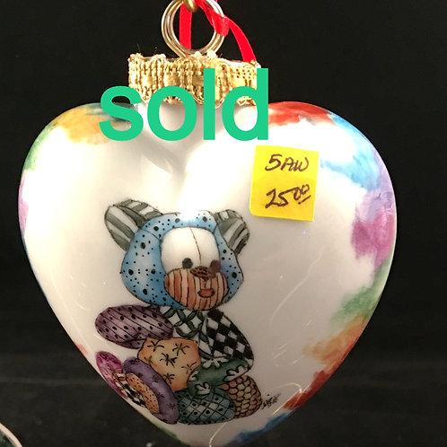 5AW   TEDDY BEAR ON A HEART