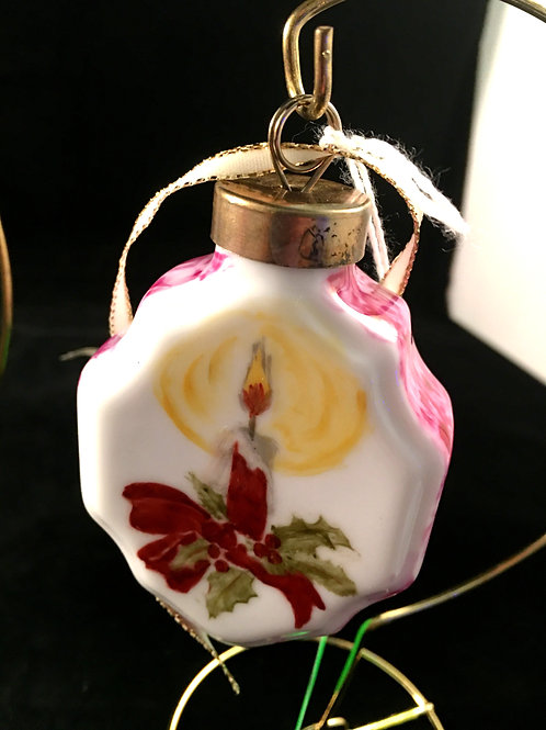 5SAL CANDLE WITH HOLLY ORNAMENT