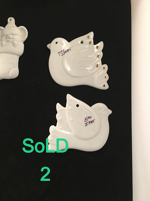 IPAT6   DOVES WITH GOLD @ $7 EACH