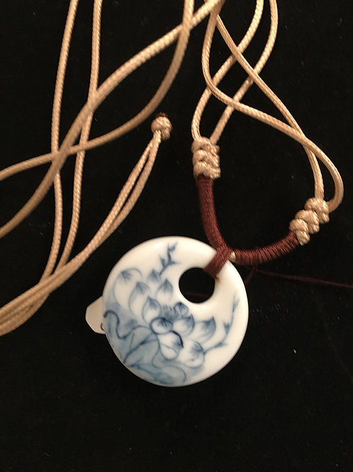 17C  NECKLACE WITH LOTUS IN BLUE