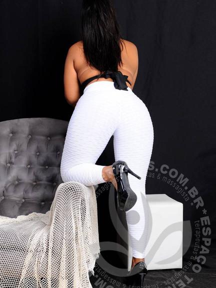 Camila - Eden SPA (5).jpg