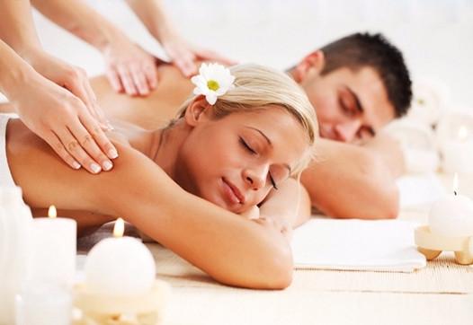 Massagem de Casal Voyer