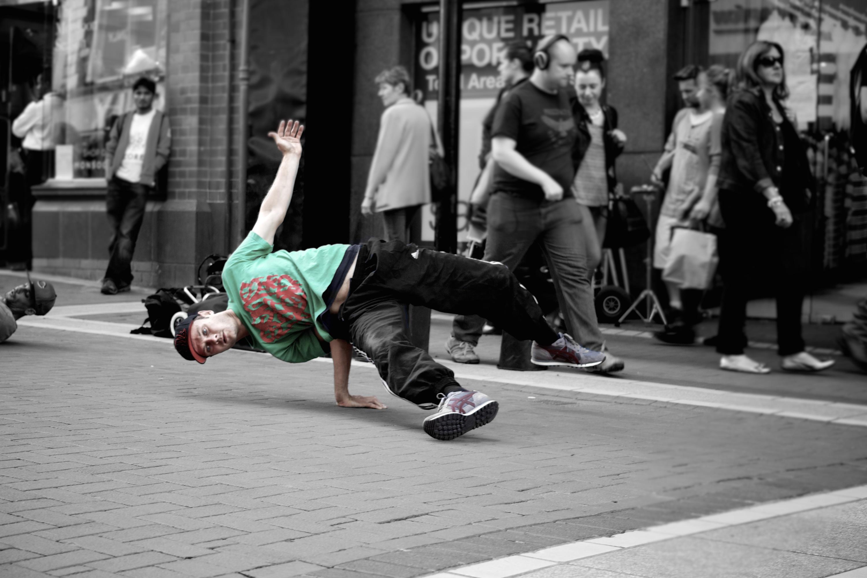 city-show-break-dance-break-dancer