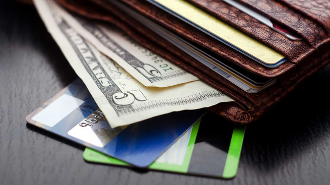 Cash vs. Credit Card: Which Should I Use?