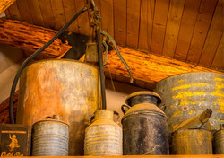 Parkfield_Lodge_Oil_Cans