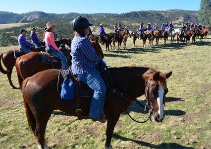 V6_Ranch_Horsewomen_Sunday_Church