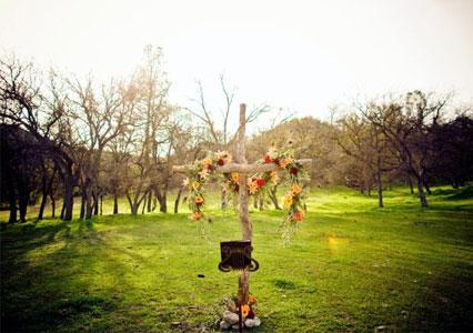 V6_Ranch_Weddings_Cross