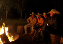 V6_Cattle_Drive_Campfire