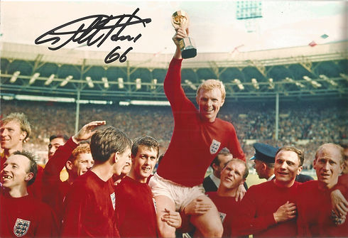Signed Geoff Hurst autograph.jpg