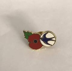 Cardiff City and Poppy enamel badge.jpg