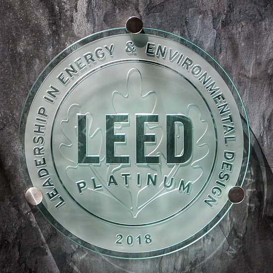 LEED standard Glass Plaque ⌀40cm, including hardware