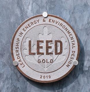 LEED RED Granite Plaque ⌀ 40cm, inc. hardware