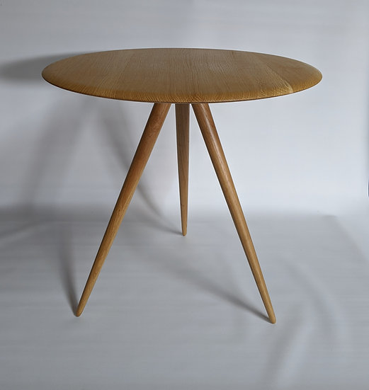 round table in oak 3