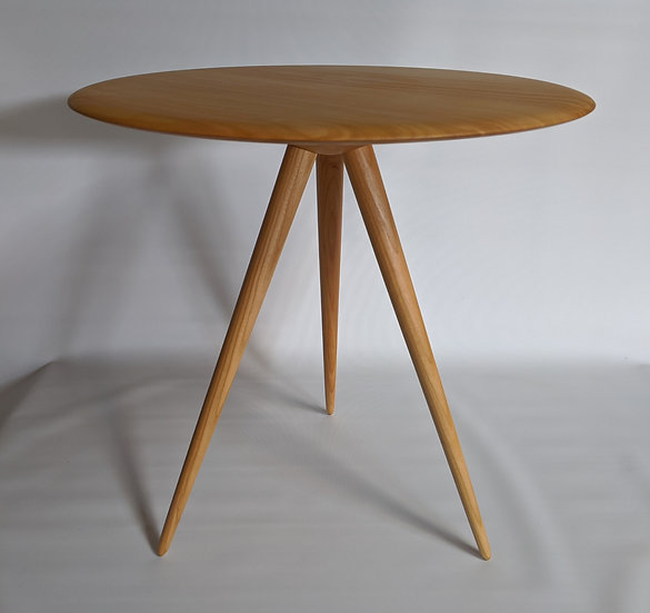 round table in cherry 1