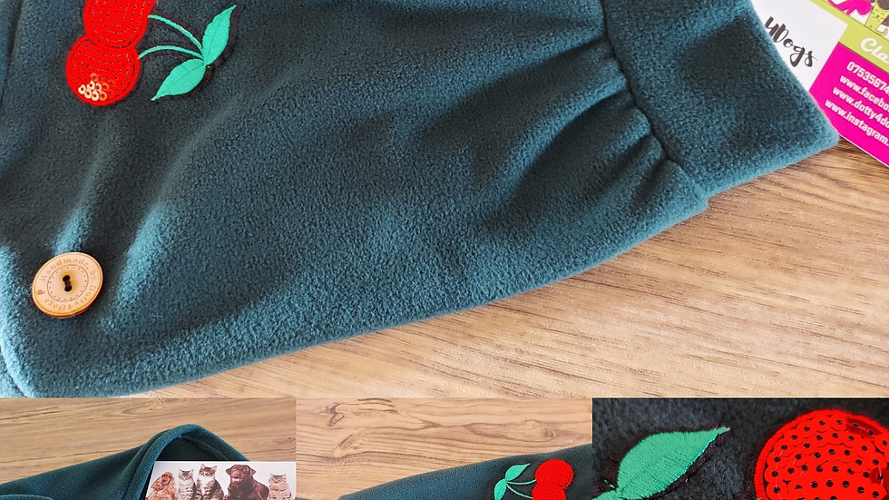 Dark green & cherry fleece