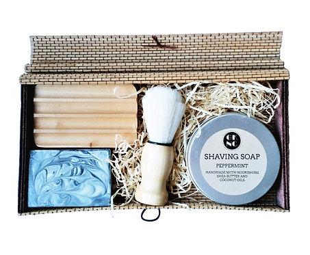 Delux Peppermint Shaving Gift Set