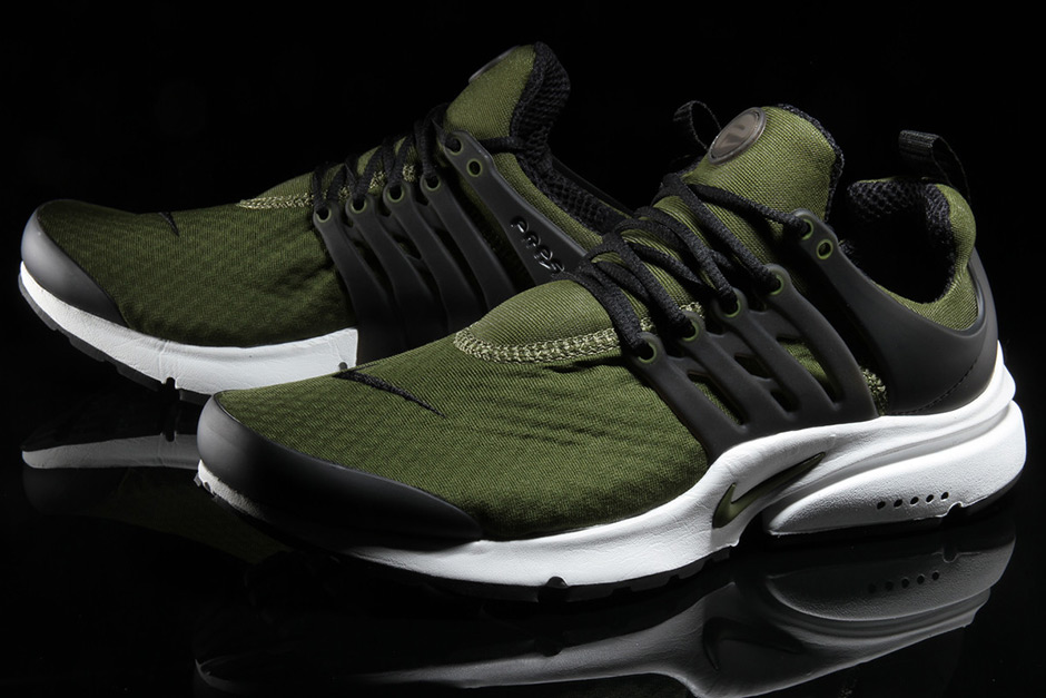 espontáneo Pulido mi  The nike air presto gets the famous olive green treatment