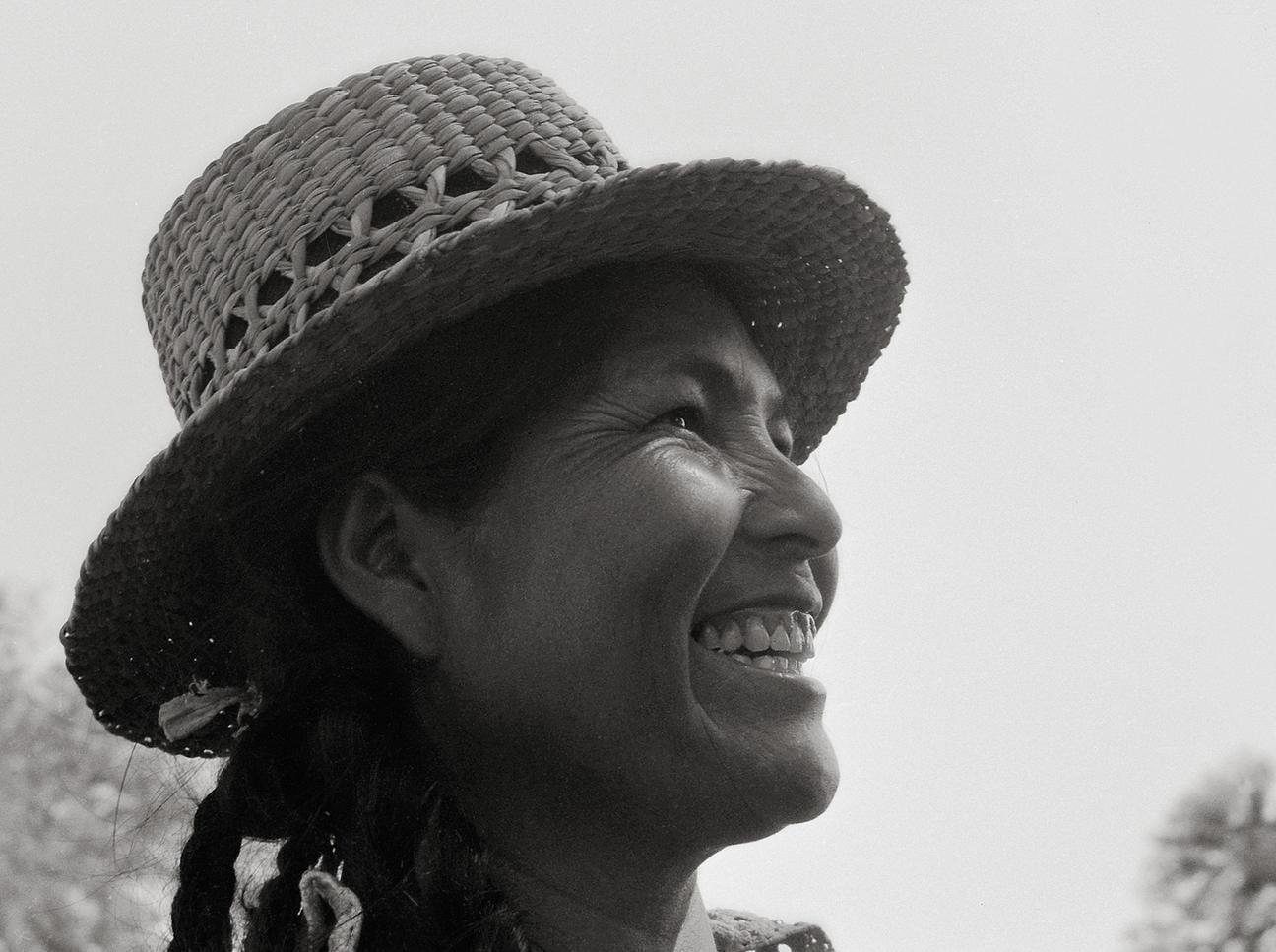 Grete Stern - Mujer toba con sombrero de