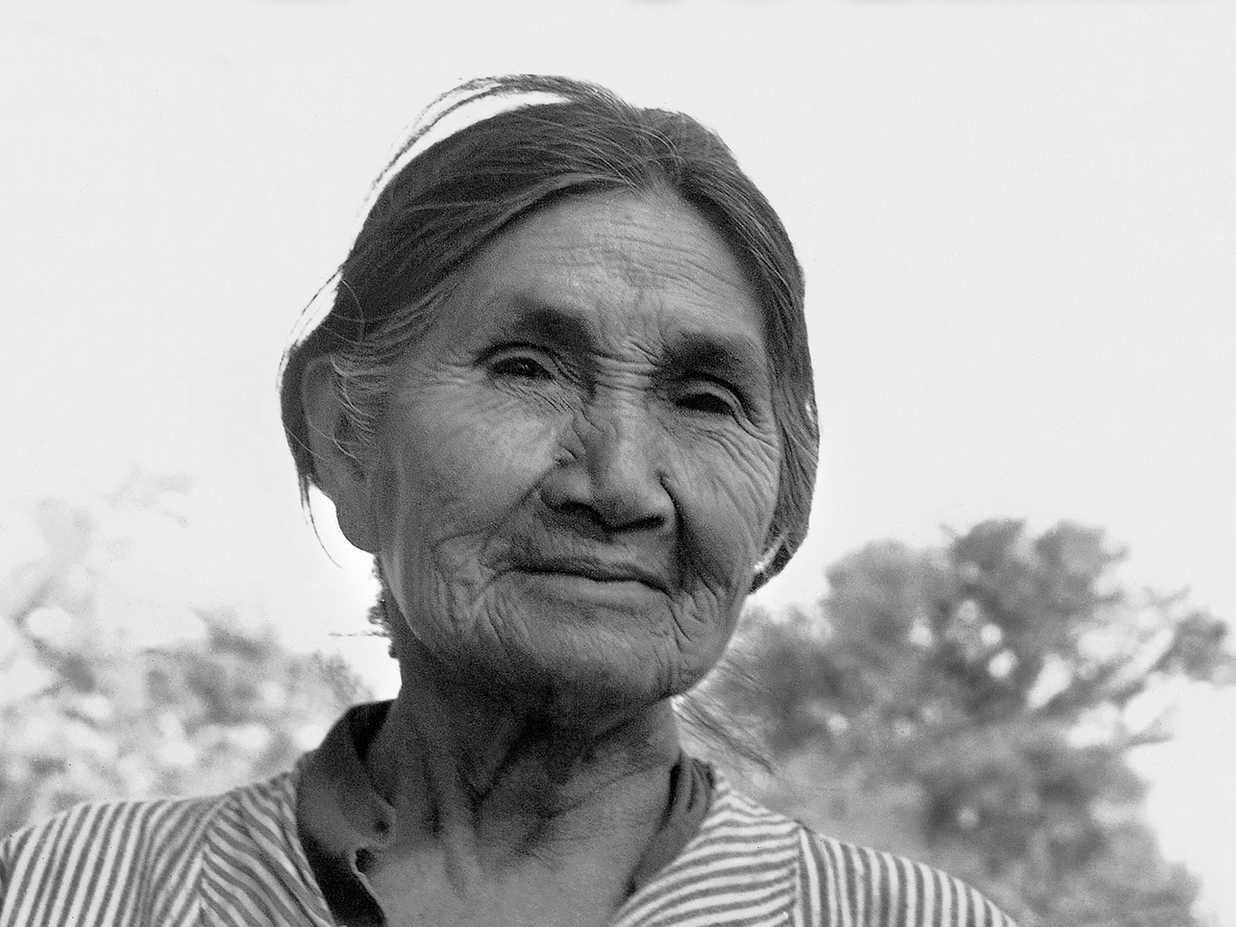 Mujer toba de la familia de Mauricio Cabrera