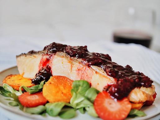 Pečeni losos s redukcijom od jagoda i aceta balsamica