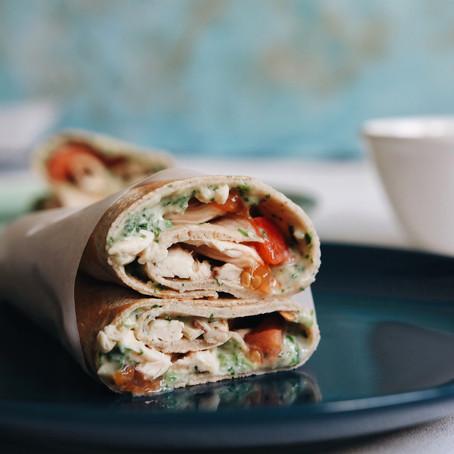 Zdravi ručak: palačinke od heljde s piletinom i humusom od bijelog graha i špinata