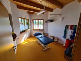 Therapiezimmer mit Wärmelampe