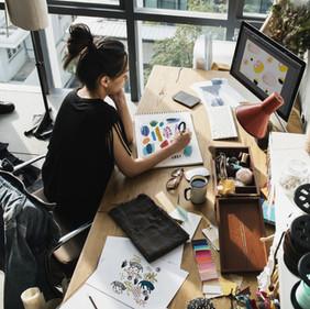 Jeune artiste féminine