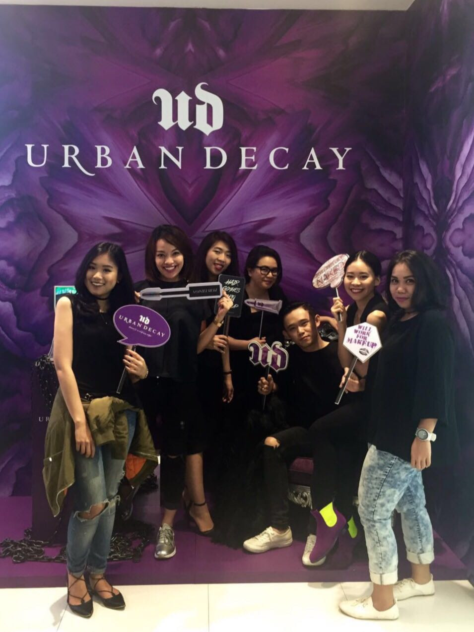 Urban Decay x Sephora team!