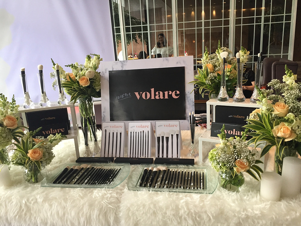 Pretty display of Volare brushes!
