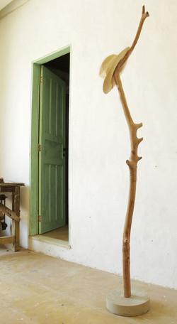 cabideiro tronco com base cimento