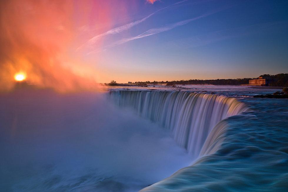 Niagara-Falls-Sunrise.jpg