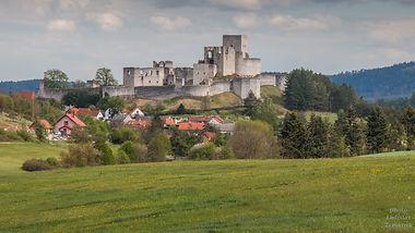 Okolo hradu Rabí