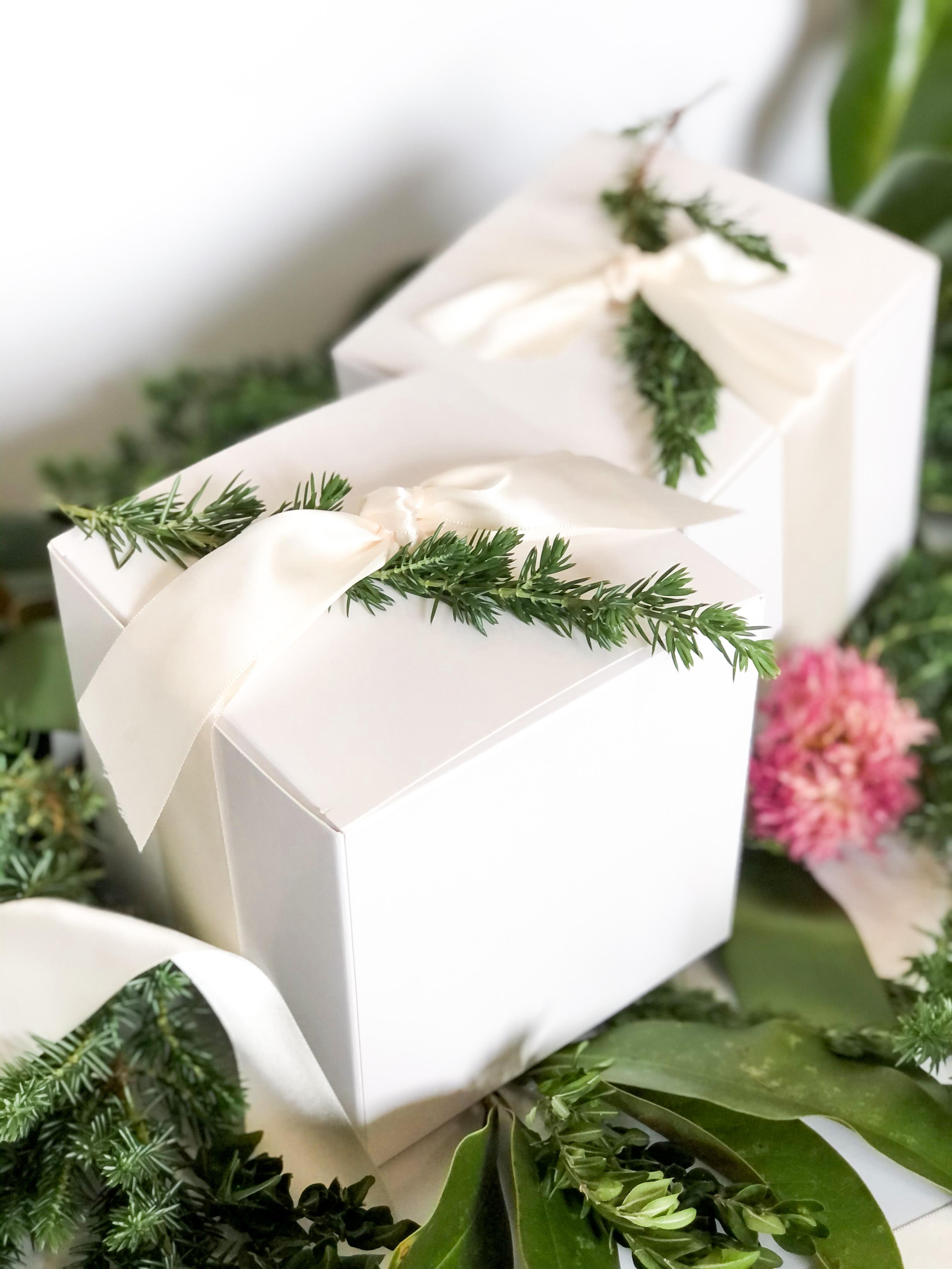 2020 Christmas ornament gift box