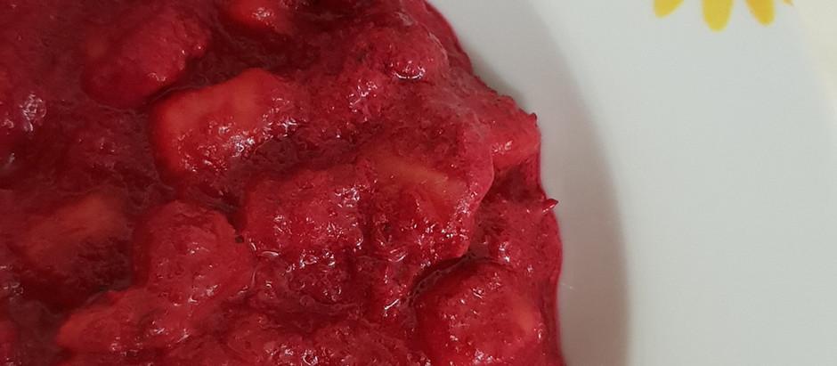 Gnocchi di patate con mousse di rape rosse e robiola di capra.