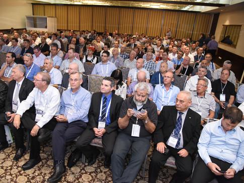 קהל בכינוס חשמל 2017